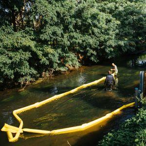 VMM plaatst vuilvangers in Maas en Demer